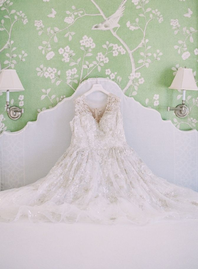 destination wedding, wedding planner, Jamaica wedding, travel with your wedding dress, traveling with your wedding dress